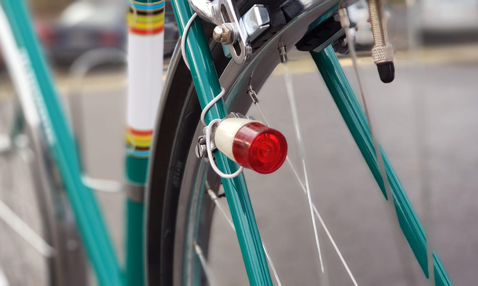 lampa na rowerze